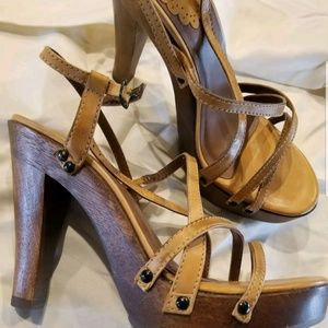 Schutz strappy heeled sandals size 9